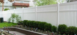 Click here to see our Vinyl Fence gallery